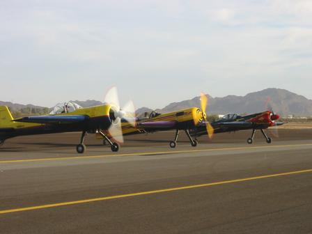 Round engines warming up at dawn ... 2003 AZ State Championships (Photo by Irene Graves)